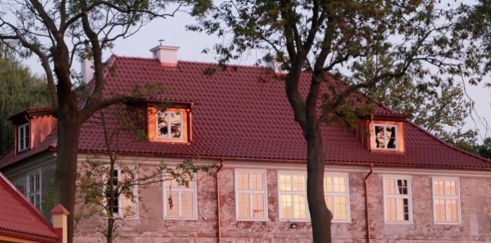 Raport końcowy z remontu dachu dworu